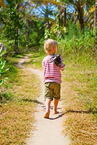 Kind auf seinem Weg
